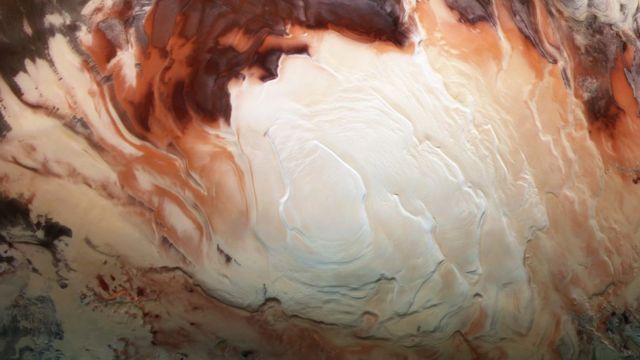 «Ледяное капуччино» на полюсе Марса