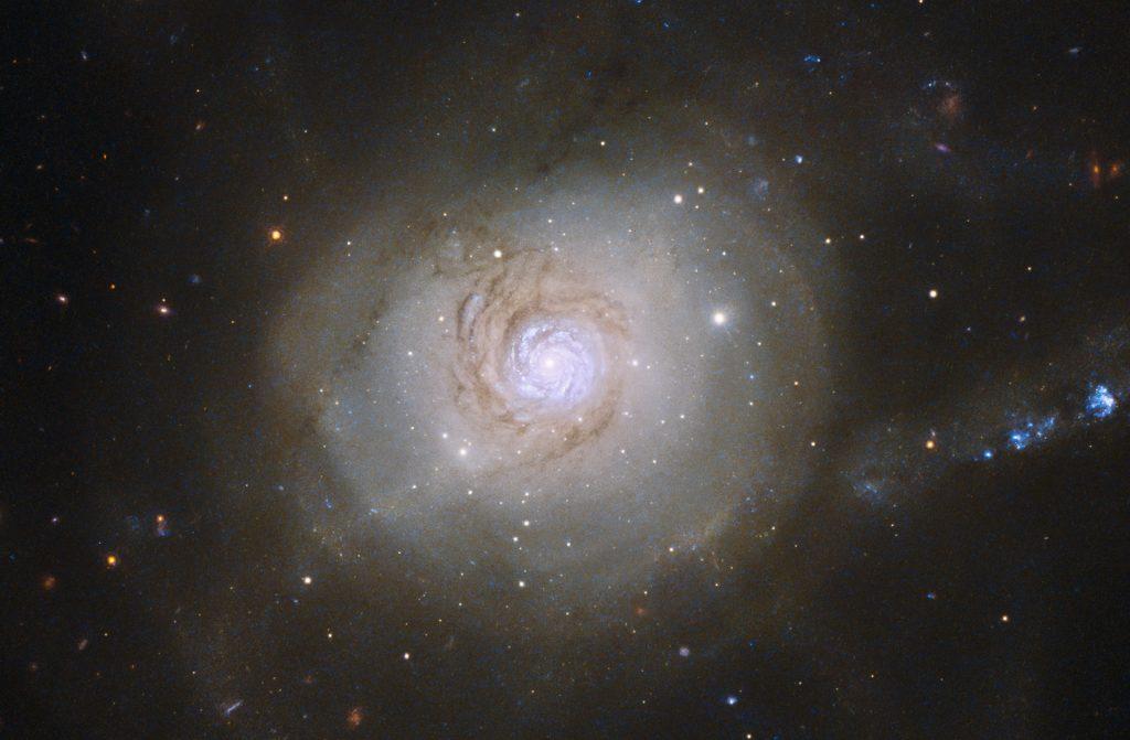 NGC 7252: галактика «Мирный атом»