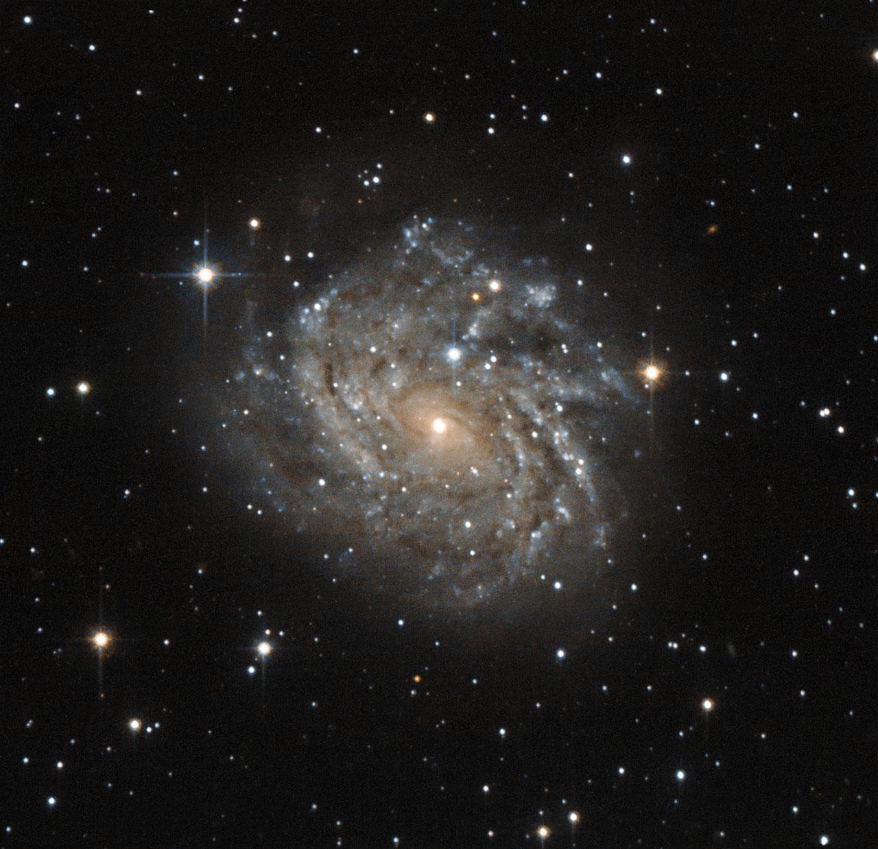 Галактика с красивым «лицом»