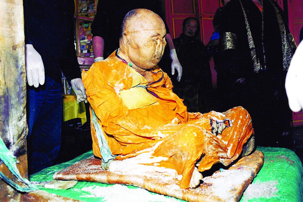 Хамбо лама Итигэлов ожил через 89 лет после смерти?