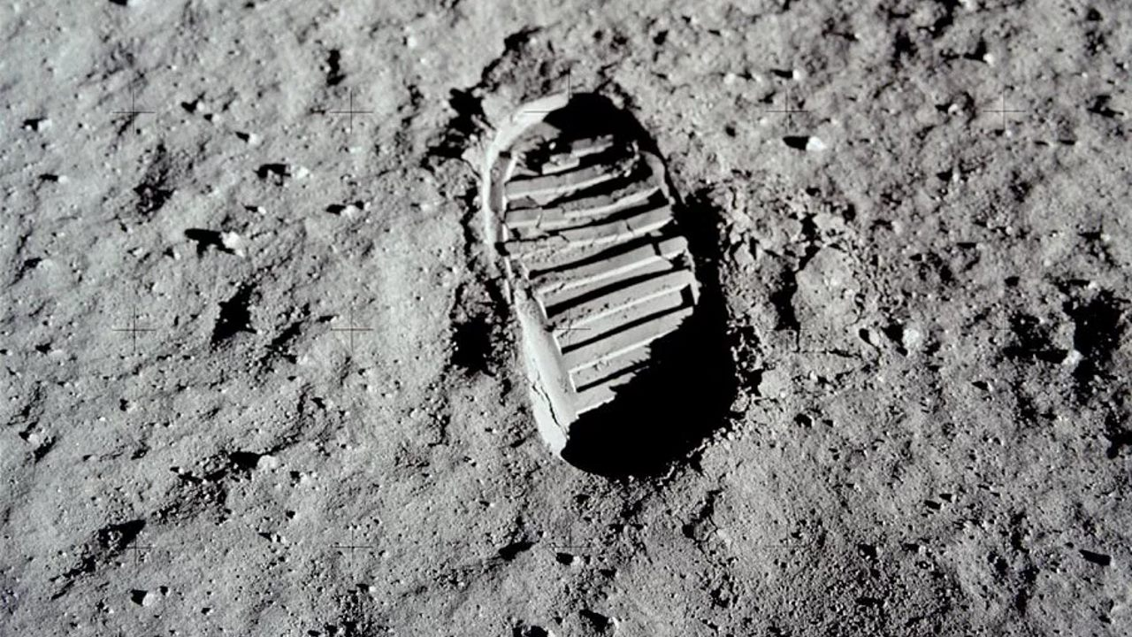 Тайна лунной пыли разгадана