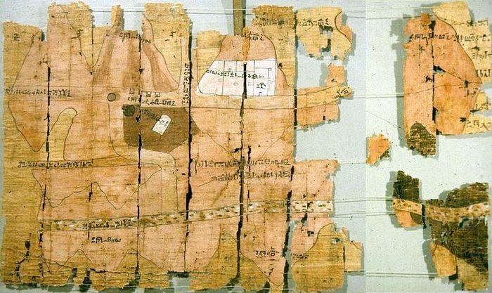 Первые топографические карты